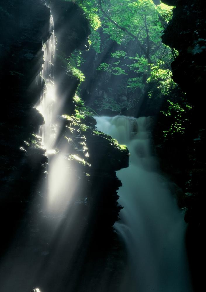 雄飛の滝_夏2.jpg
